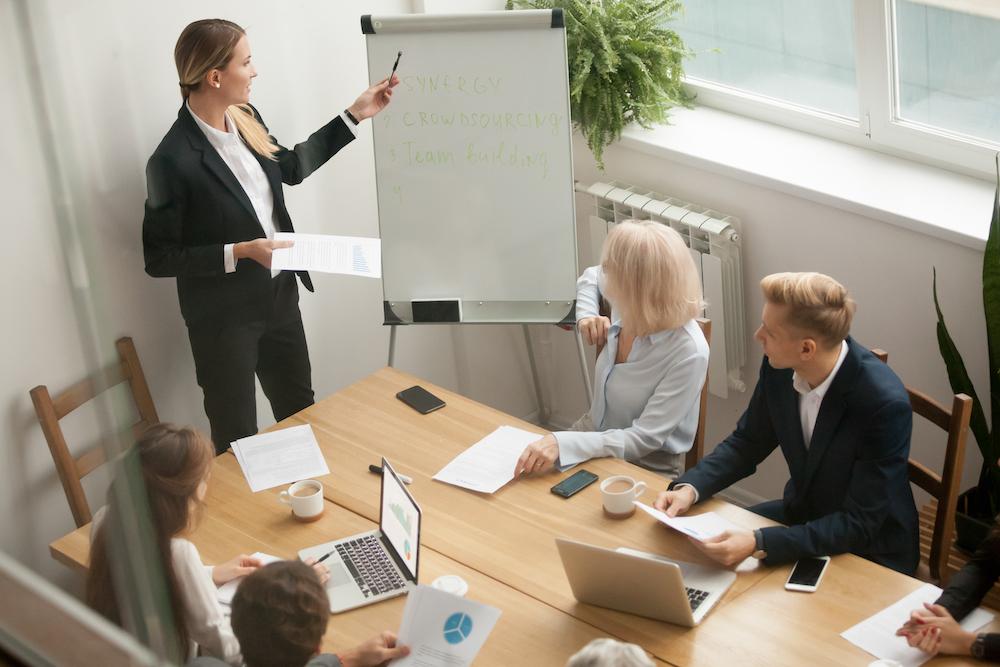 Pratique seu inglês e descubra como o Google treina novos gerentes